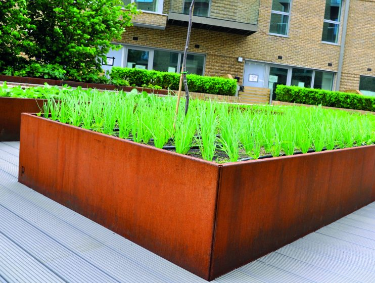 Corten Planters, Kinley Systems